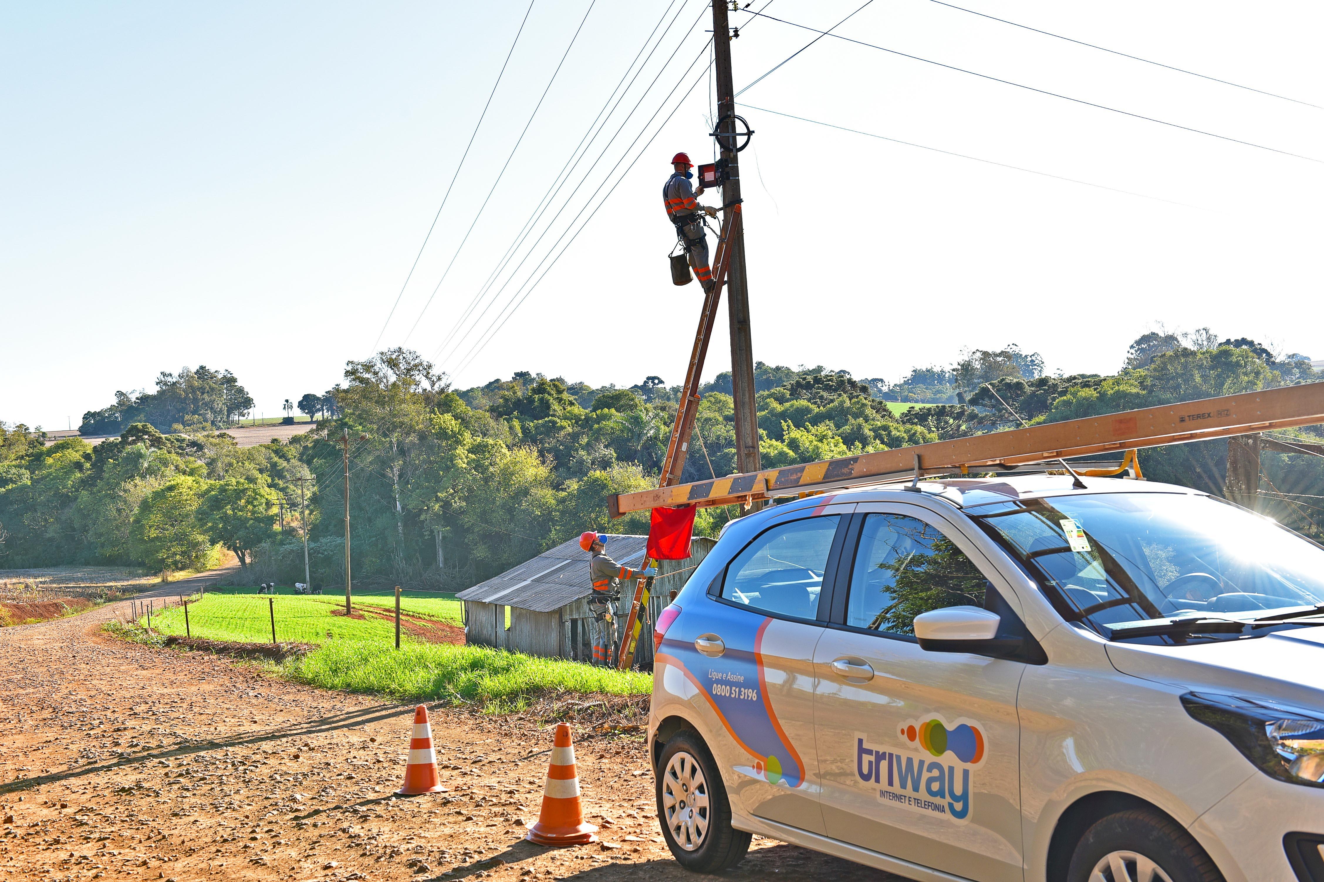 Coprel Telecom Coprel Telecom amplia oferta de internet e telefonia nas áreas urbanas e rurais